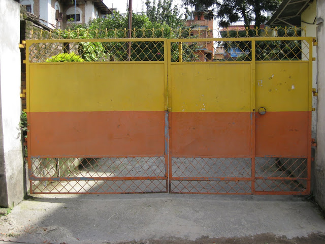gate 8